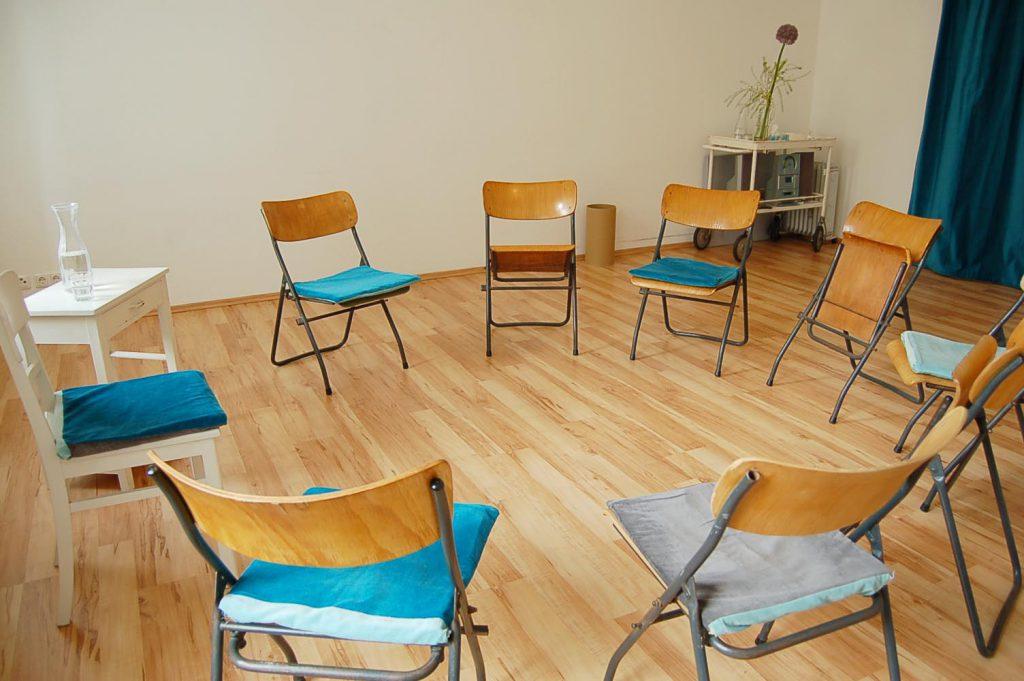 r ume koerperraum mitte. Black Bedroom Furniture Sets. Home Design Ideas