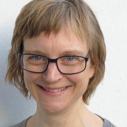 Julia_portrait_klein
