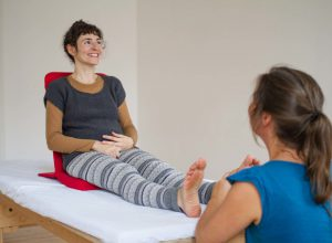 freude-am-sein-koerpertherapie-ganzheitliche-koerperarbeit-berlin-somatic-coaching-13-1024x683